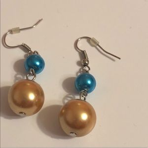 Francesca's | Faux Colored Pearl Earrings